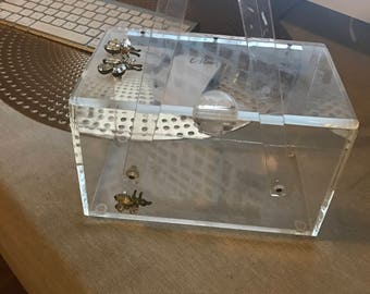 Vintage 1950s lucite handbag with bees