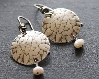Textured sterling silver earrings// Sterling silver and pearl earrings//Floral Earrings//Handcrafted sterling earrings