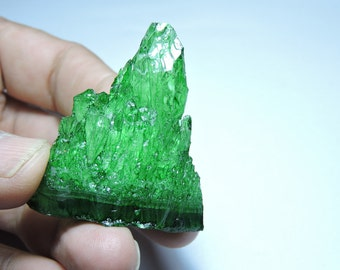 1 Piece Extremely Beautiful Natural Green Mountain Shape Crystal Druzy. Mountain Druzy. Size  45X34X17 MM