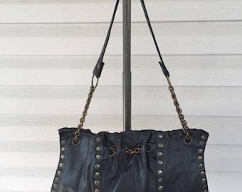 Lg. Chain Linl shoulder bag.