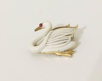 Vintage Swan Pin