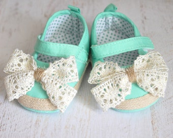Baby Girl shoes Baby crib shoes Newborn baby girl shoes Mint girl shoes Aqua girl shoes Green baby girl shoes