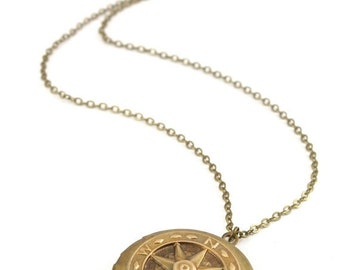20%OFF SALE Compass Locket Necklace, Vintage Locket Necklace, Compass Locket, Travelers Gift, Graduation Gift