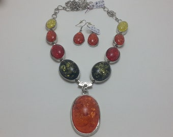Chunky amber necklace/earring set.