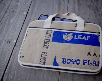 Paper Laptop case : Case for the MacBook Pro 15 inch.
