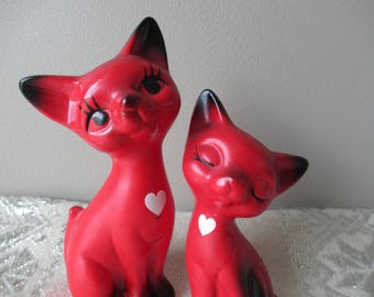 Set of 2 Vintage Ceramic Cat Figurines, Retro Collectable Figurines, Valentines Day