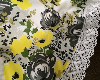 Round tablecloth with lace - Scandinavian cotton fabric - Table linens - Round 163 cm / 64 inches