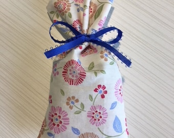 Sachet filled with lavender buds