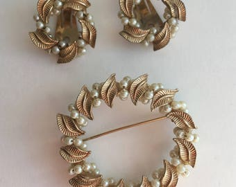 Vintage Brooch and clip-on Earrings Set