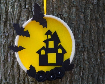Halloween Decoration / felt Halloween Display /Halloween Felt Wreath/ Felt Wreath/ Halloween Wreath/ Halloween  bat/  house with ghosts