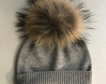 100% Pure Cashmere Hat with Fur PomPom in Light Grey