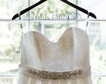 Wedding Hanger, Bridal Hanger, Bridesmaid Hanger, Wedding Dress hanger, Wooden Bridal Hanger, Bride Hanger, Bridesmaid Gift,  Mrs hanger