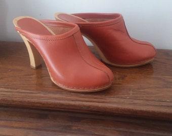 Vintage Italian Rattazzi Sienna  Leather Wooden Heel Clog / US Size Women's 6 / High Heel Clogs / Mules / Vintage Boho Shoes