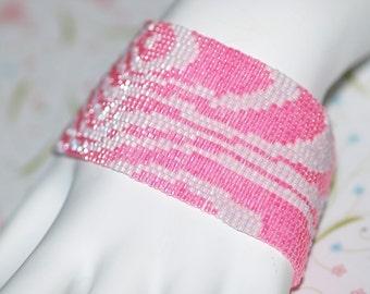Bebe Bois ... Peyote Bracelet . Wood Grain . Wide Cuff . Pink . Monochromatic . Breast Cancer Awareness . Mod . Bold . Original Design
