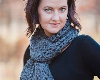 Women's Crocheted Scarf / Crocheted Scarf / Chunky Crocheted Scarf / Gray Scarf