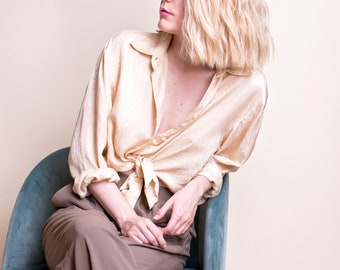 VTG 90s paisley silk blouse minimalist collared beige cream iridescent modern