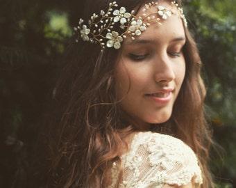 Bridal headpiece, pearl flower headdress, gold hair vine, gold headpiece, flower crown, floral vine, freshwater pearl, Swarovski crystal