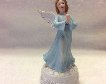 Vintage angel music box Roman ceramic porcelain plays When You Wish Upon a Star. Free ship