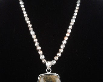 Alluring AGATE necklace