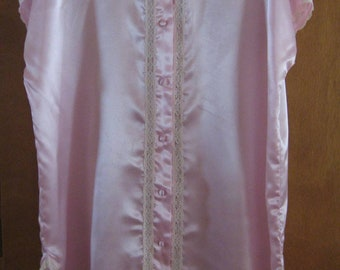 Satiny Adonna nightshirt size large - new without tags