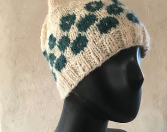 Classic warm winter hat in Ecological Lamb's Wool // Off-white & turquoise big dots