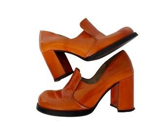 1970s orange shiny PLATFORM Shoes // size us5.5 eu 37 - uk4