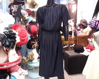 Brogan and Jennings vintage 1960 mad men black pleated dress for women small size