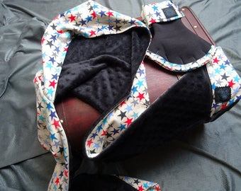 Hooded scarf and mittens pattern multicolored stars