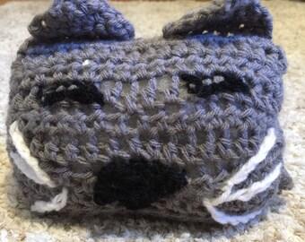 Crocheted decorative cat pillow