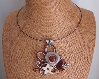 Aluminum pendant necklace and buttons / chocolate and silver flowers