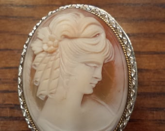 Vintage Cameo with Silver / Gold Setting