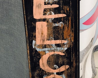 Distressed Welcome wooden sign