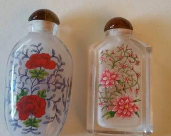 Reduced. 2 chinese reverse painted glass snuff bottles, flowers