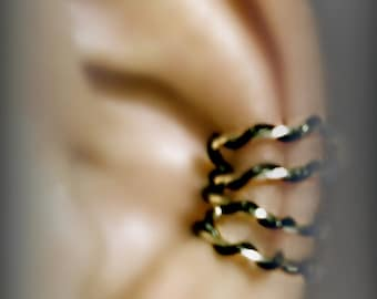 Twisted black and silver wire Ear cuff  by Earlums