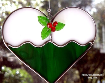 Stained Glass Christmas Cookie Suncatcher, Frosted Sugar Cookie with Holly Berries, Green Heart Shaped Sun Catcher, Glass Christmas Ornament