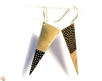 Earrings asymmetrical sequin triangle pattern gold on black dots