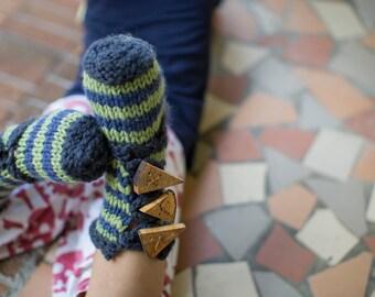 make your own Buttoned Slipper Socks (DIGITAL KNITTING PATTERN) toddler child tween
