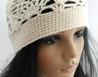 Crocheted Pineapple Beanie Hat. Ivory. Lacy.