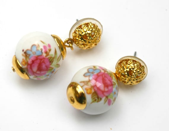 Flower painted dangle earrings White ball pink flower gold plated pierced earrings