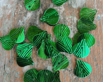 Vintage Shell Green Sequins  90pc