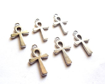 10 Antique Silver Ankh Charms - 23-5
