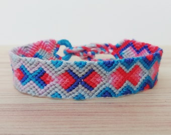 Friendshipbracelet-Hand made knotted friendship Band-macramé