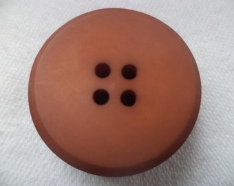 10 large Brown buttons 25mm (598)