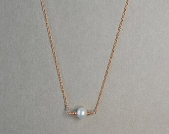 Necklace Pearl freshwater * and fine chain