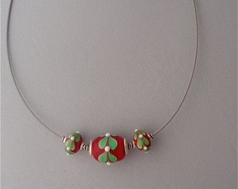 Lamp Work Cable Necklace Red with Green Leaves, 17 1/2 long
