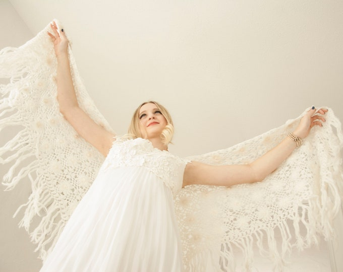 Vintage off-white floral shawl, long fringe formal sweater wrap, crochet knit bridal wedding cover up, boho angel 1970s