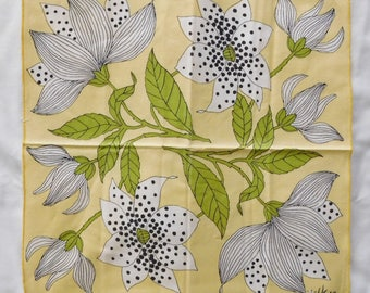4 vintage VERA NAPKINS yellow black white large Lily