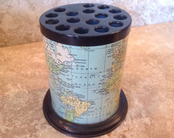 World map pencil cup