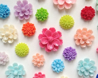 NEW- Resin Flower Magnets  - Rare Earth Magnets- Set of 8- We pick the flowers - BEST DEAL!