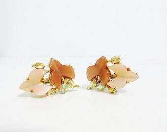 Vintage Earrings: Brown Thermoset Plastic Leaves with Rhinestones